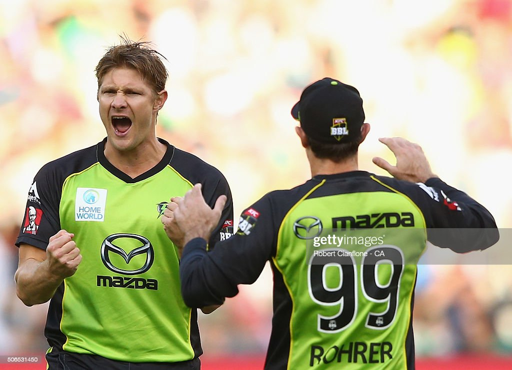 Shane Watson of the Thunder celebrates after taking the wicket of Marcus Stoinis of the Stars during the Big Bash League final match between Melbourne Stars and the Sydney Thunder at Melbourne Cricket Ground on January 24, 2016 in Melbourne, Australia.