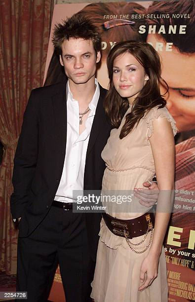 Shane West and Mandy Moore at the premiere of A Walk To Remember at the Chinese Theater in Los Angeles Ca Wednesday Jan 23 2002 Photo by Kevin...