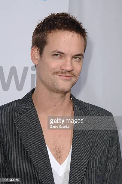 Shane West during Nintendo Launches Wii - The Revolutionary Home Video Game Console - Arrivals at BOULEVARD3 in Hollywood, CA, United States.