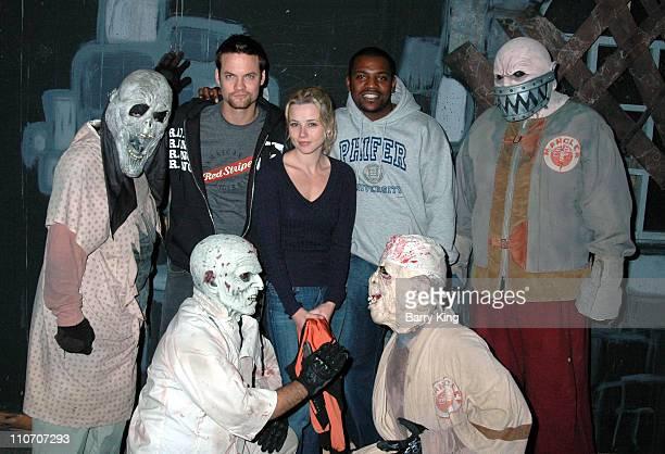 Shane West Linda Cardellini and Mekhi Phifer during Linda Cardellini Mekhi Phifer and Shane West of 'ER' Visit Knott's Scary Farm's 34th Annual...