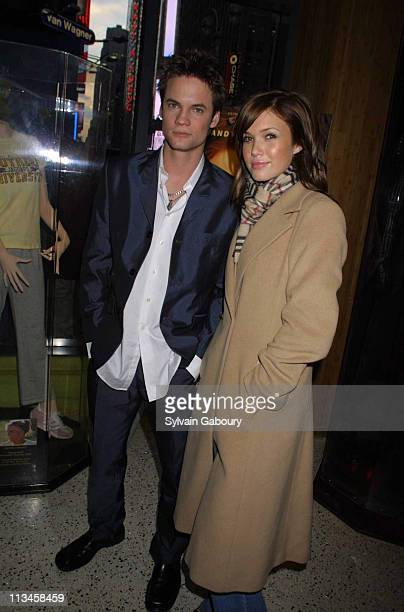 Shane West Mandy Moore during Mandy Moore and Shane West Promote Film A Walk to Remember at Planet Hollywood in New York New York United States