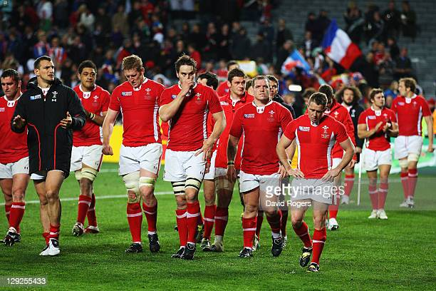 Shane Williams of Wales shows his dejection along with his teammate as they walk a lap of honour after Wales lose 98 in semi final one of the 2011...