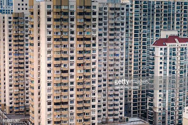 shanghai apartments - jakob montrasio stock pictures, royalty-free photos & images