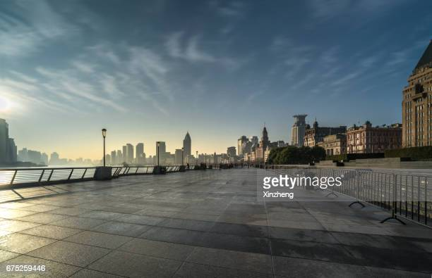 shanghai bund - pedestrian zone stock pictures, royalty-free photos & images