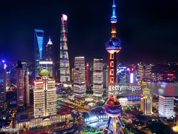 Der Innenstadt von Shanghai bei Nacht