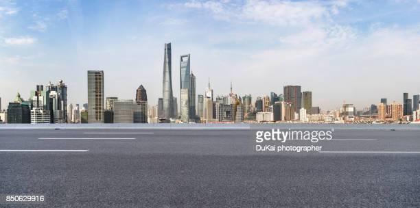 shanghai empty highway - horizontal ストックフォトと画像
