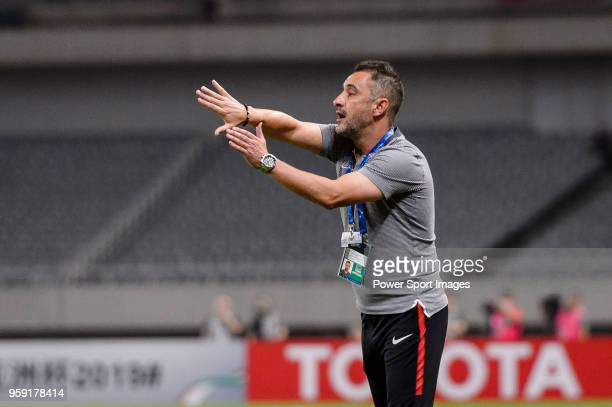 Shanghai FC Head Coach Vitor Pereira gestures during the AFC Champions League Round of 16 match between Shanghai SIPG v Kashima Antlers at the...