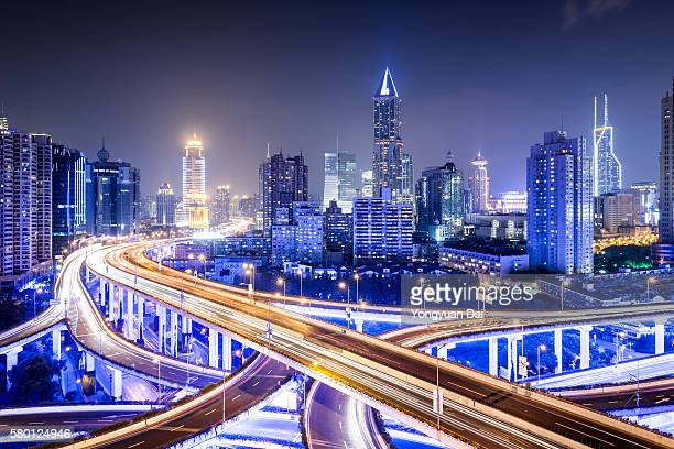 Shanghai Highway bei Nacht