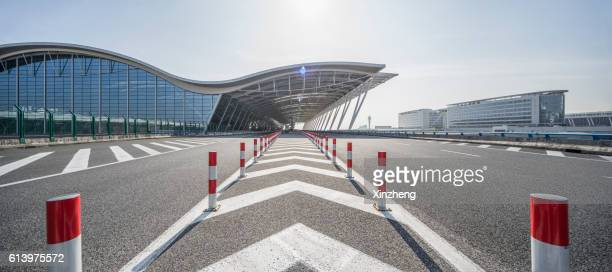 Shanghai International Airport,Terminal traffic