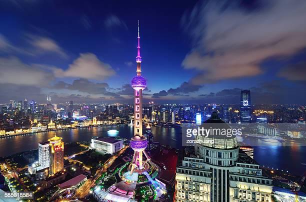 shanghai landmark: oriental pearl tower - oriental pearl tower shanghai stock pictures, royalty-free photos & images