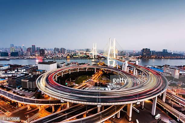Puente Nanpu de Shanghai por la noche