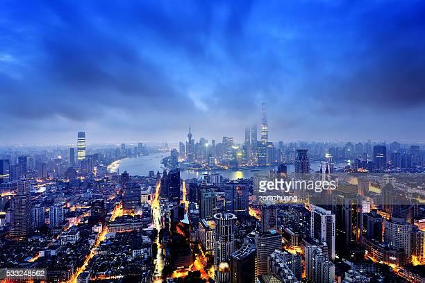 上海のパノラマに広がる街並みの眺め