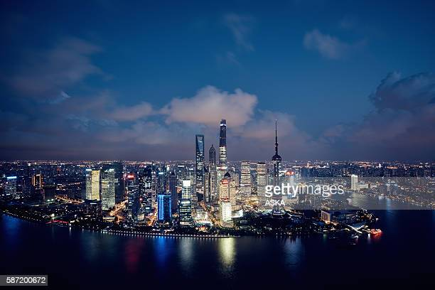 shanghai skyline at night - 4k resolution stock pictures, royalty-free photos & images