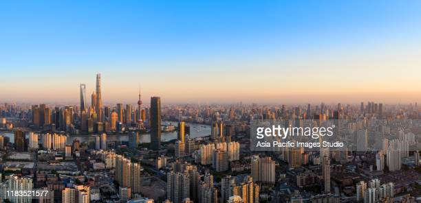 shanghai skyline at sunset. - lujiazui stock pictures, royalty-free photos & images