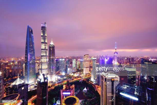 Shanghai Skyline Stadtbild bei Sonnenuntergang, China