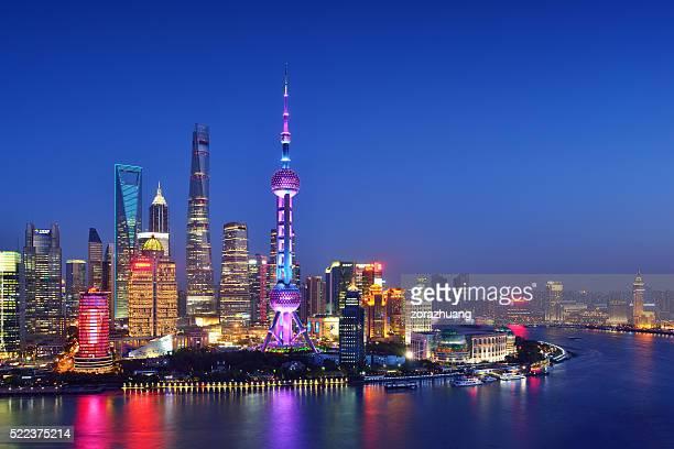 skyline di shanghai - shanghai foto e immagini stock