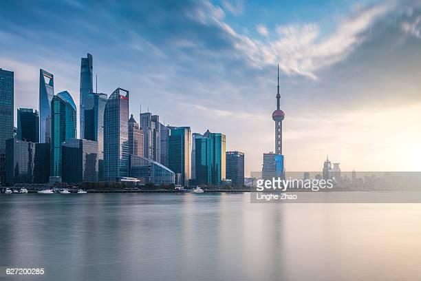 shanghai skyline - schanghai stock-fotos und bilder
