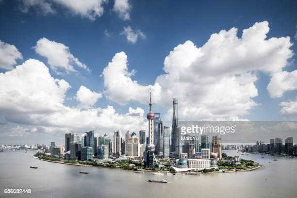 shanghai skyline sunset - rio huangpu - fotografias e filmes do acervo