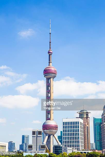 shanghai skyscrapers - oriental pearl tower shanghai stock pictures, royalty-free photos & images