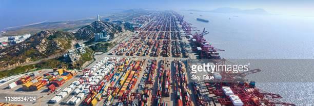 shanghai yangshan port panorama - haven stockfoto's en -beelden