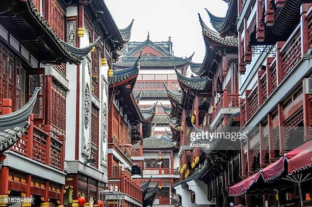 shanghai yu yuan garden - old town stock pictures, royalty-free photos & images
