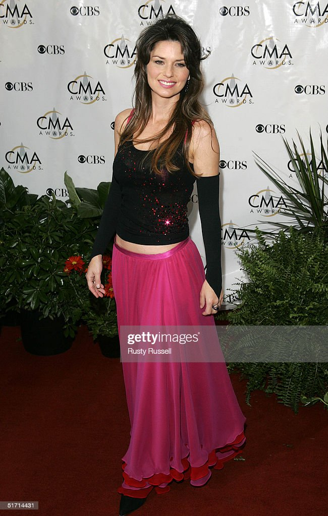 Shania Twain arrives at the 38th Annual CMA Awards at the Grand Ole Opry House November 9, 2004 in Nashville, Tennessee.