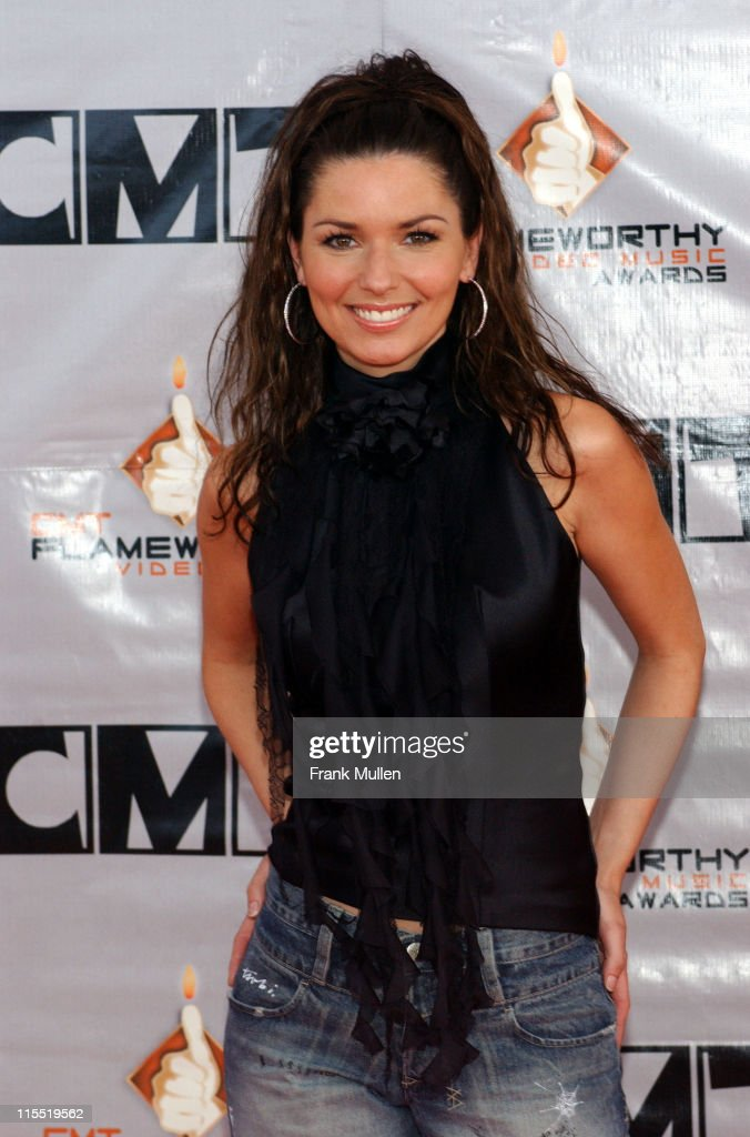 2003 CMT Flameworthy Awards - Arrivals