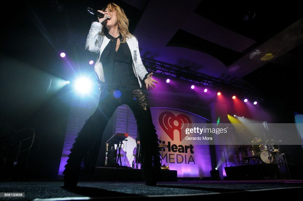 Shania Twain performs at a dinner party hosted by iHeartMedia during the ANA Masters of Marketing annual conference on October 5, 2017 in Orlando, Florida.