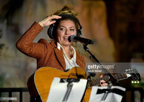 """Shania Twain performs at """"Meet Me In Australia"""" To Benefit Australia Wildfire Relief Efforts, hosted by The Greater Los Angeles Zoo Association, at..."""
