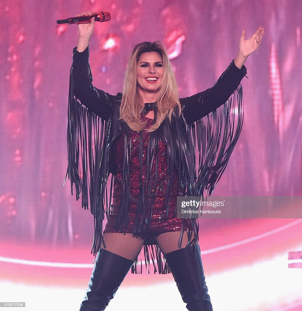 Shania Twain In Concert - Uniondale, New York