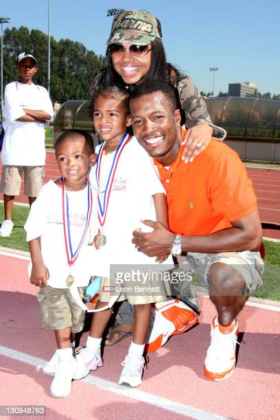 "Shanice, Flex Washington and family during B-DADS Presents 3rd Annual ""Little Legs With Big Hearts"" A Fun Run For Kids To Benefit Children Afflicted..."