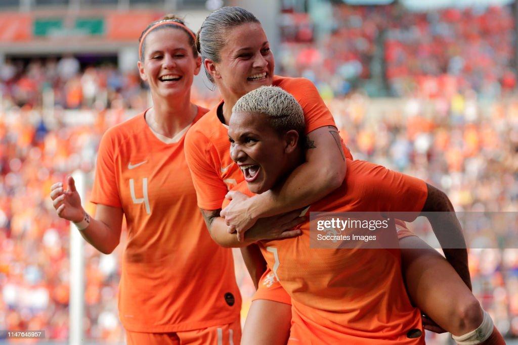 Holland  v Australia  -International Friendly Women : News Photo