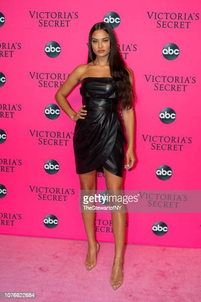 Shanina Shaik attends the 2018 Victoria's Secret Fashion Show viewing party at Spring Studios on December 02, 2018 in New York City.