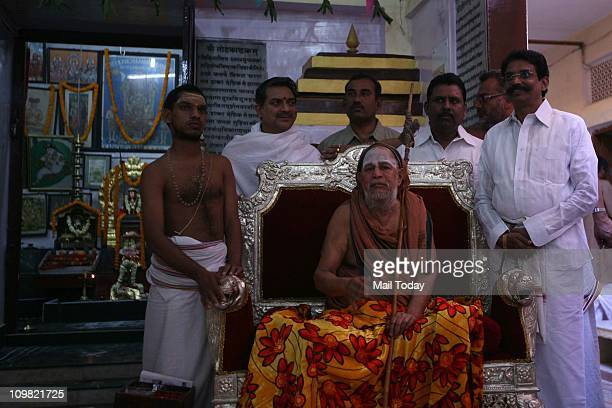 Shankaracharya of Kashi Kamakoti Peetham Swami Jayendra Saraswati in Varanasi on Saturday