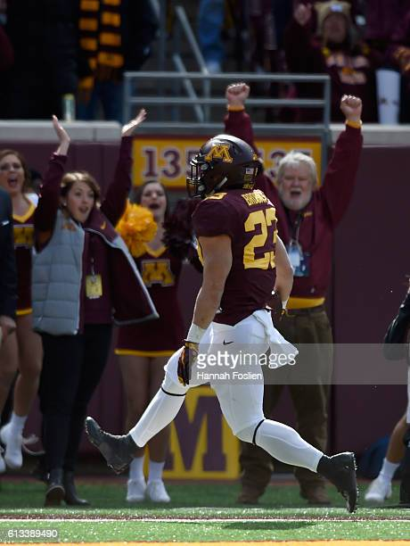 Shannon Brooks of Minnesota runs the ball in for a touchdown against Iowa during the third quarter of the game on October 8 2016 at TCF Bank Stadium...