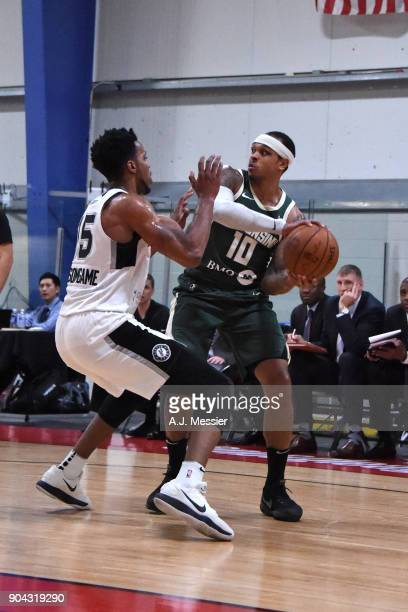 Shannon Brown of the Wisconsin Herd handles the ball against the Austin Spurs during the GLeague Showcase on January 12 2018 at the Hershey Centre in...