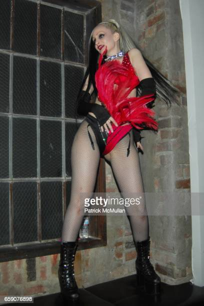 Shannon Evans attends Bryan Rabin Kelly Cole and Ian Cripps Present Diamond Dogs at hwood on April 9 2009 in Hollywood California