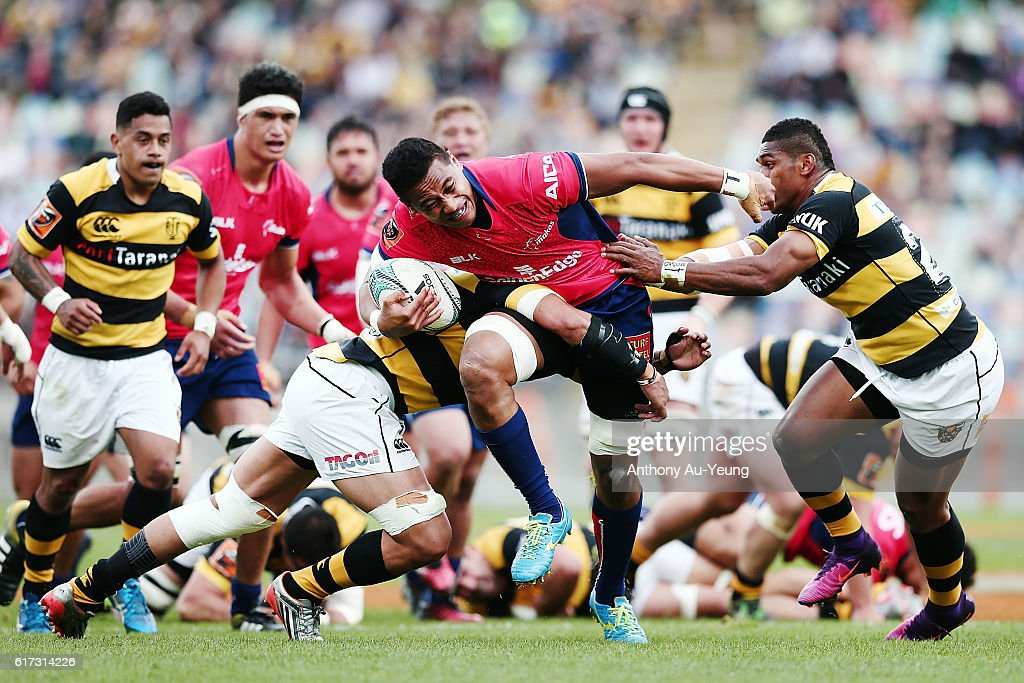 Shannon Frizell of Tasman on the charge against Waisake Naholo of Taranaki during the Mitre 10 Cup Semi Final match between Taranaki and Tasman on October 23, 2016 in New Plymouth, New Zealand.