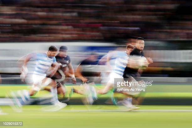 Shannon Frizell of the All Blacks makes a break during The Rugby Championship match between the New Zealand All Blacks and Argentina at Trafalgar...