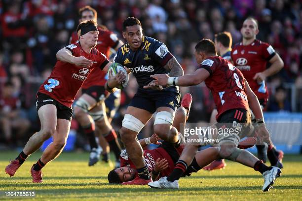 Shannon Frizell of the Highlanders makes a break during the round 9 Super Rugby Aotearoa match between the Crusaders and the Highlanders at...