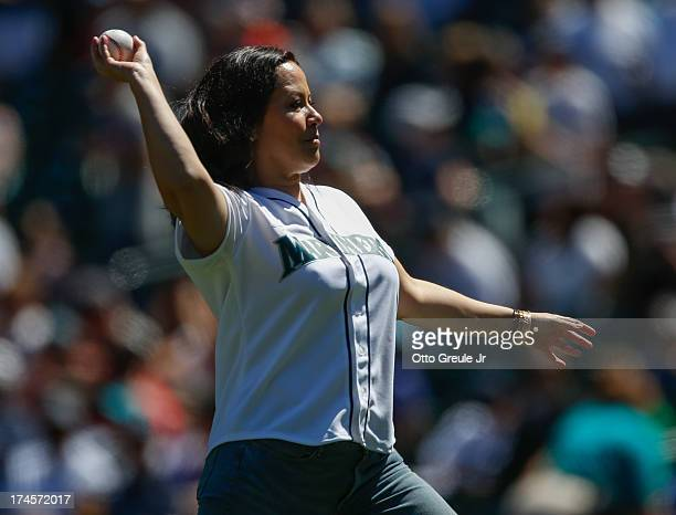 Shannon Lee daughter of martial arts legend Bruce Lee throws out the ceremonial first pitch prior to the game between the Minnesota Twins and the...