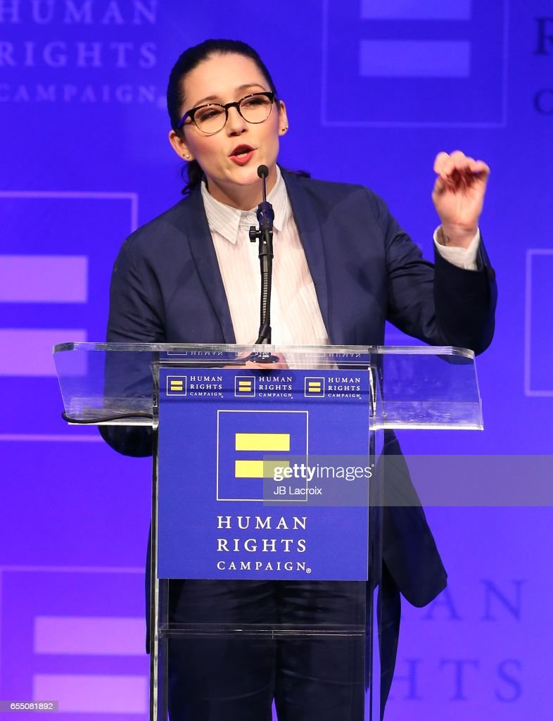 Shannon Woodward attends the Human Rights Campaign's 2017 on March 18, 2017 in Los Angeles, California.