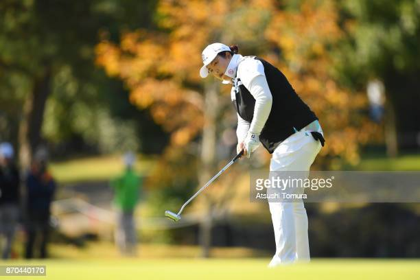 Shanshan Feng of China putts on the 9th hole during the final round of the TOTO Japan Classics 2017 at the Taiheiyo Club Minori Course on November 5...