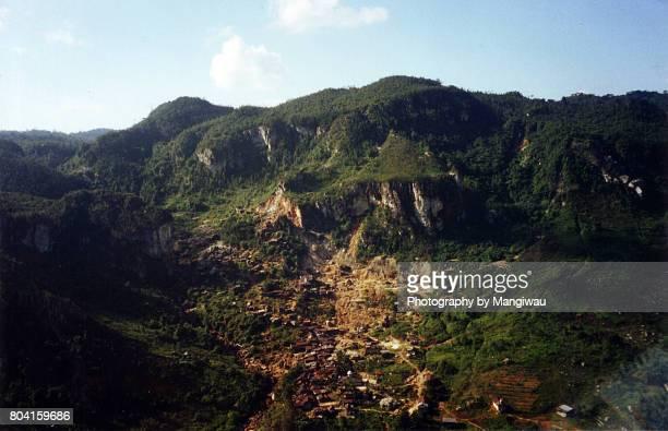shanty town - pinnacle peak stock-fotos und bilder