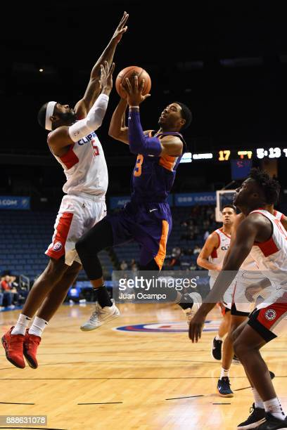 Shaquille Harris of the Northern Arizona Suns drives to the basket against the Agua Caliente Clippers on December 8 2017 at Citizens Business Bank...