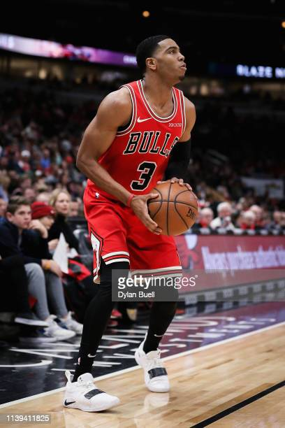 Shaquille Harrison of the Chicago Bulls handles the ball in the third quarter against the Toronto Raptors at the United Center on March 30 2019 in...