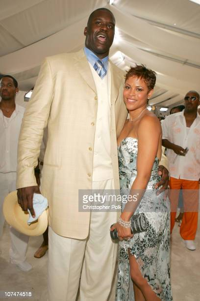 Shaquille O'Neal and Shaunie O'Neal during 2005 MTV Video Music Awards White Carpet at American Airlines Arena in Miami Florida United States