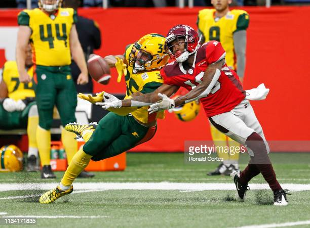 Shaquille Richardson of the Arizona Hotshots breaks up a pass intended for Alonzo Moore of the San Antonio Commanders at Alamodome on March 31, 2019...