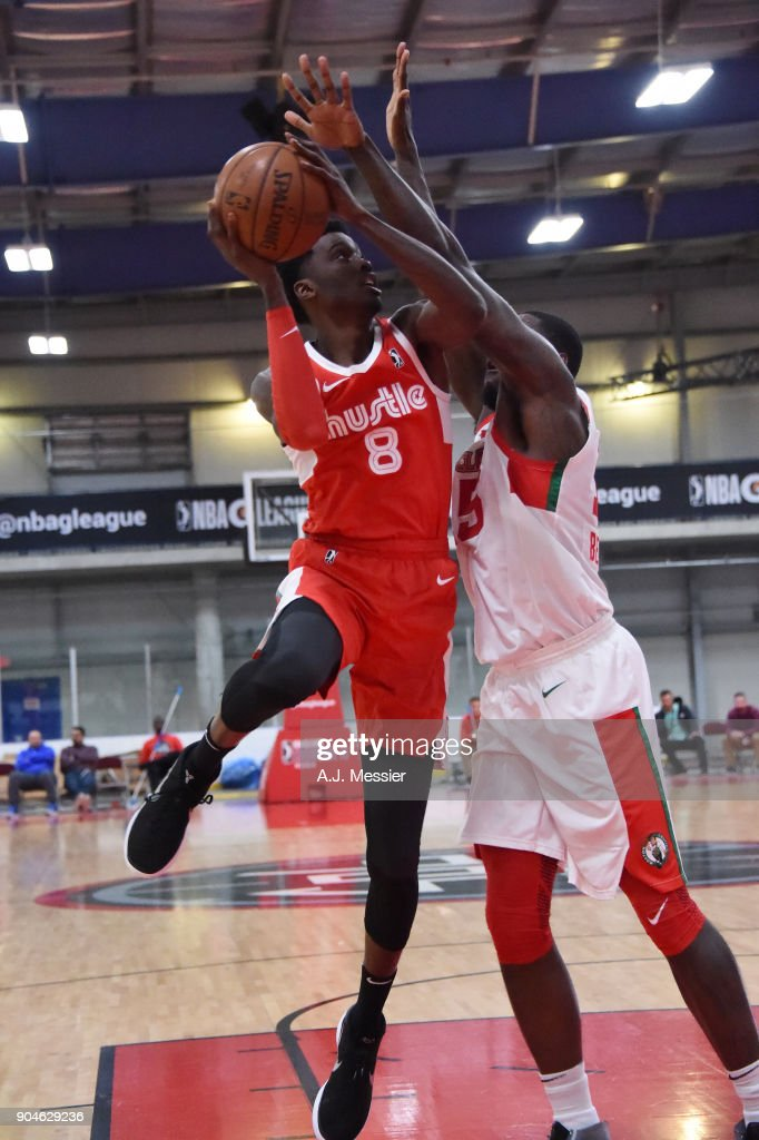 Shaquille Thomas #8 of the Memphis Hustle handles the ball during the NBA G-League Showcase Game 25 between the Memphis Hustle and the Maine Red Claws on January 13, 2018 at the Mississauga SportZone in Mississauga, Ontario Canada.