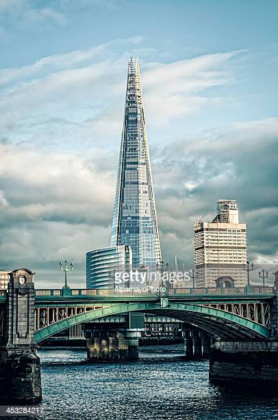 shard skyscraper in london, uk - iii - shard london bridge stock pictures, royalty-free photos & images